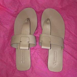 Mercedes Castillo EUC Leather Thong Sandals, 8.